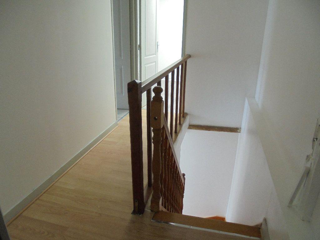 Appartement à louer 2 58m2 à Noyon vignette-5