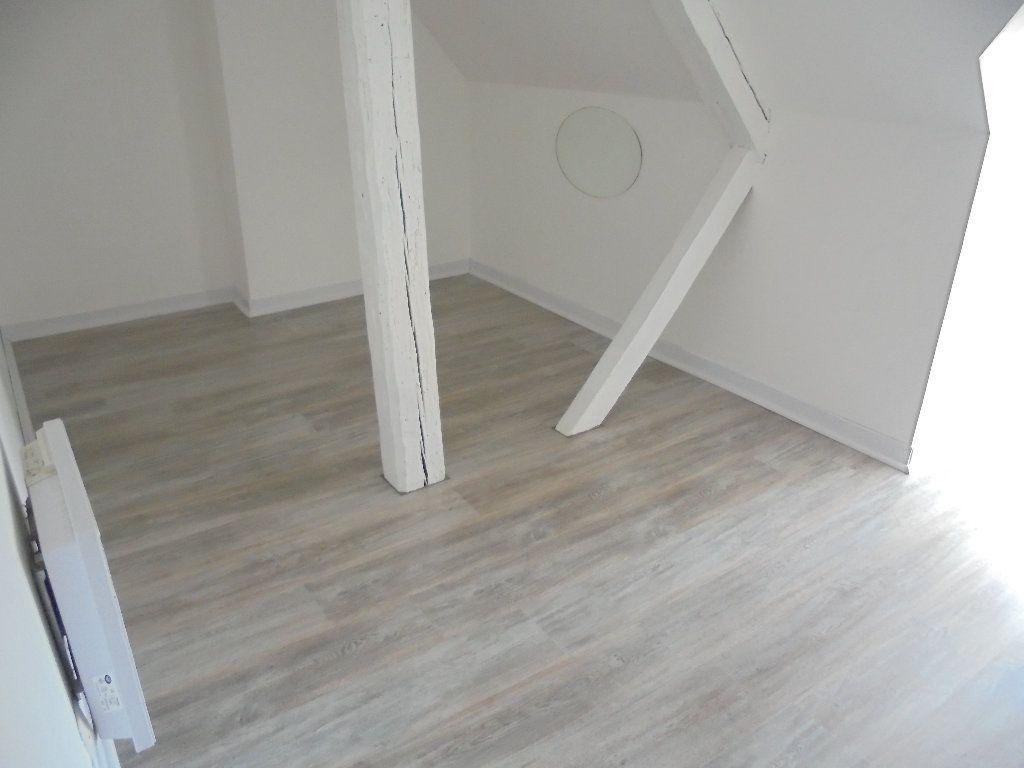 Appartement à louer 2 58m2 à Noyon vignette-6