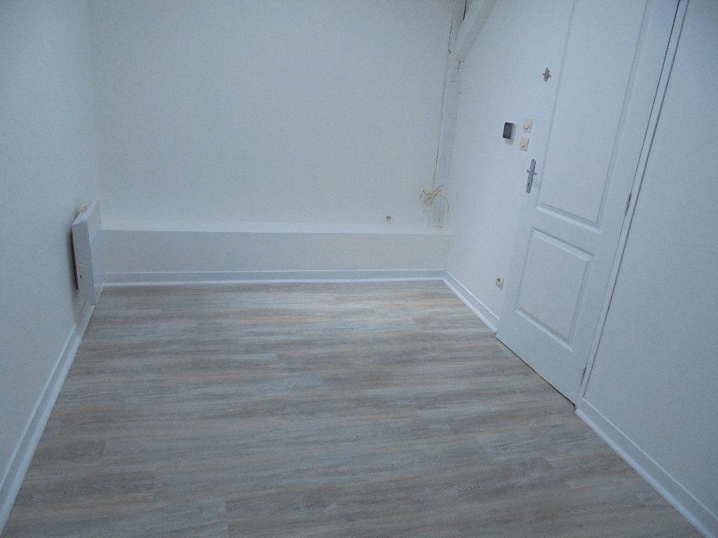 Appartement à louer 2 58m2 à Noyon vignette-7