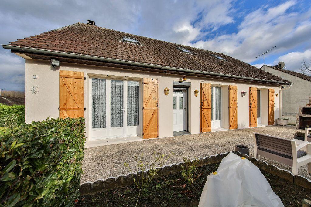 Maison à vendre 4 124.38m2 à Blérancourt vignette-1