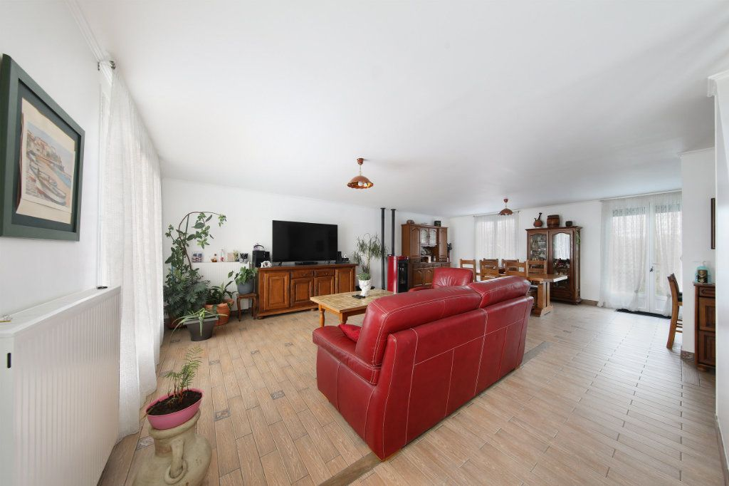 Maison à vendre 4 124.38m2 à Blérancourt vignette-2
