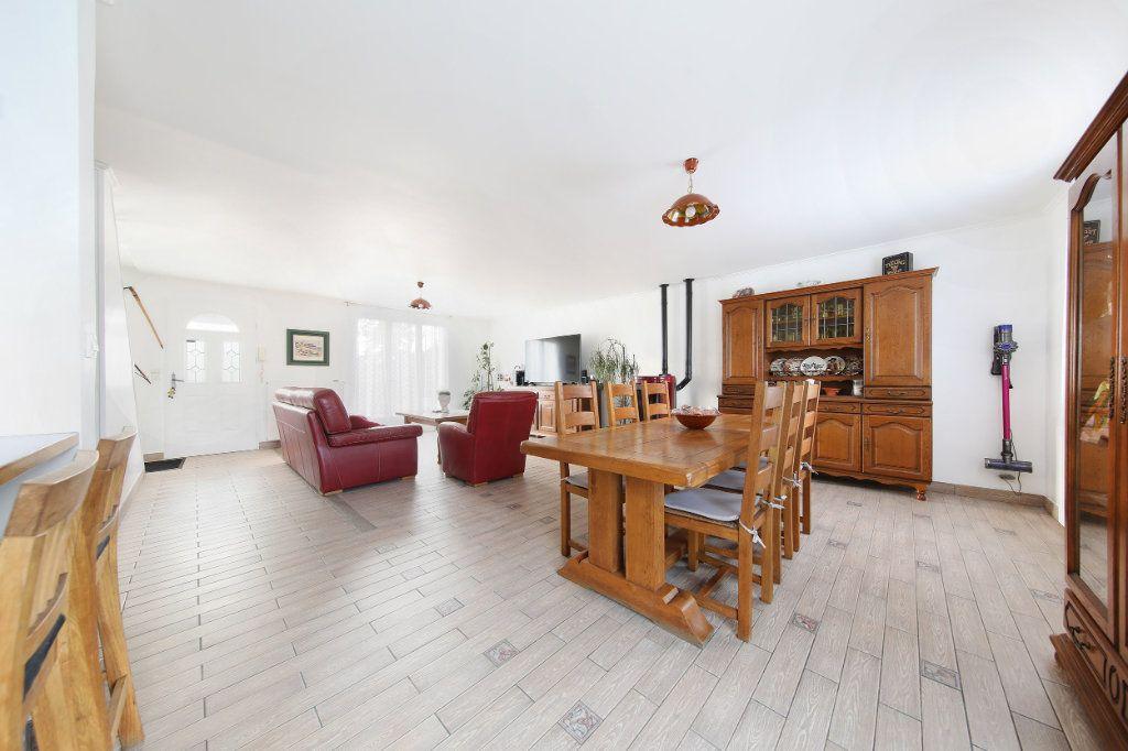 Maison à vendre 4 124.38m2 à Blérancourt vignette-3