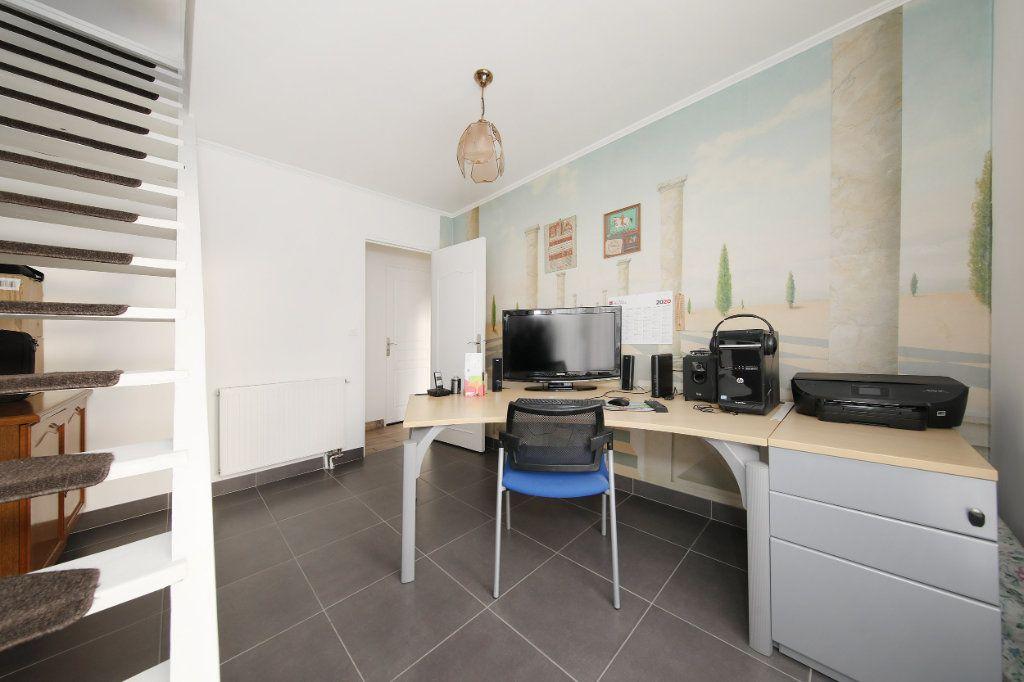 Maison à vendre 4 124.38m2 à Blérancourt vignette-4