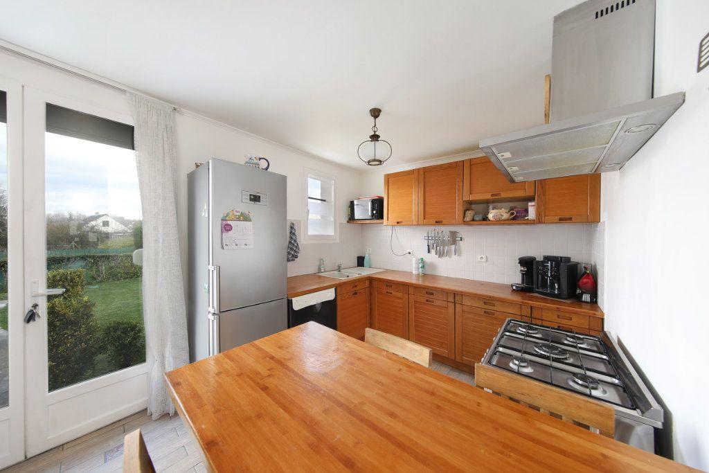 Maison à vendre 4 124.38m2 à Blérancourt vignette-7