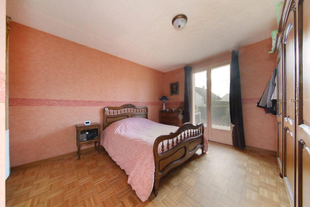 Maison à vendre 4 124.38m2 à Blérancourt vignette-10