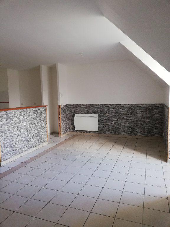 Appartement à louer 3 63.42m2 à Noyon vignette-1