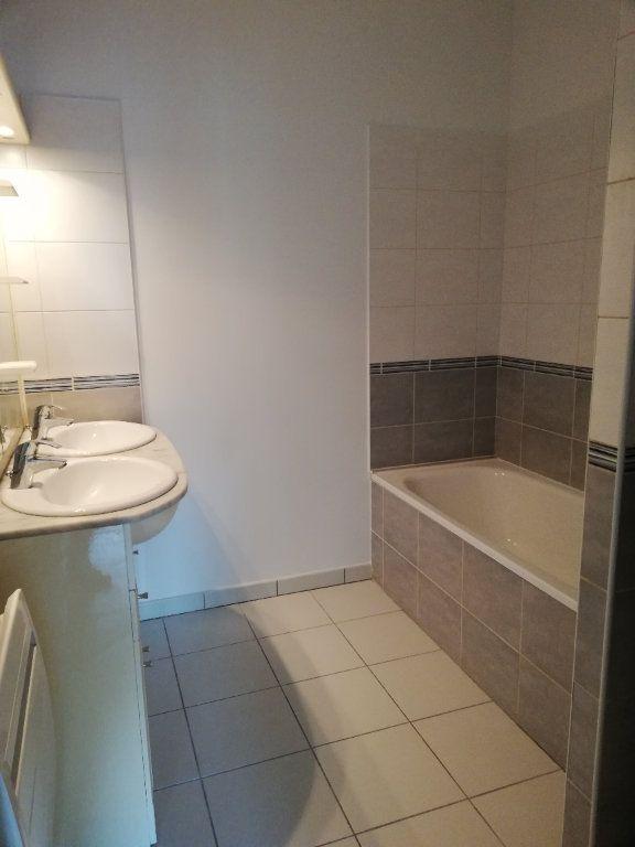 Appartement à louer 3 63.42m2 à Noyon vignette-6