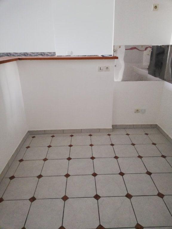 Appartement à louer 3 63.42m2 à Noyon vignette-11