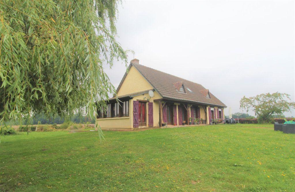Maison à vendre 8 174.34m2 à Buverchy vignette-1
