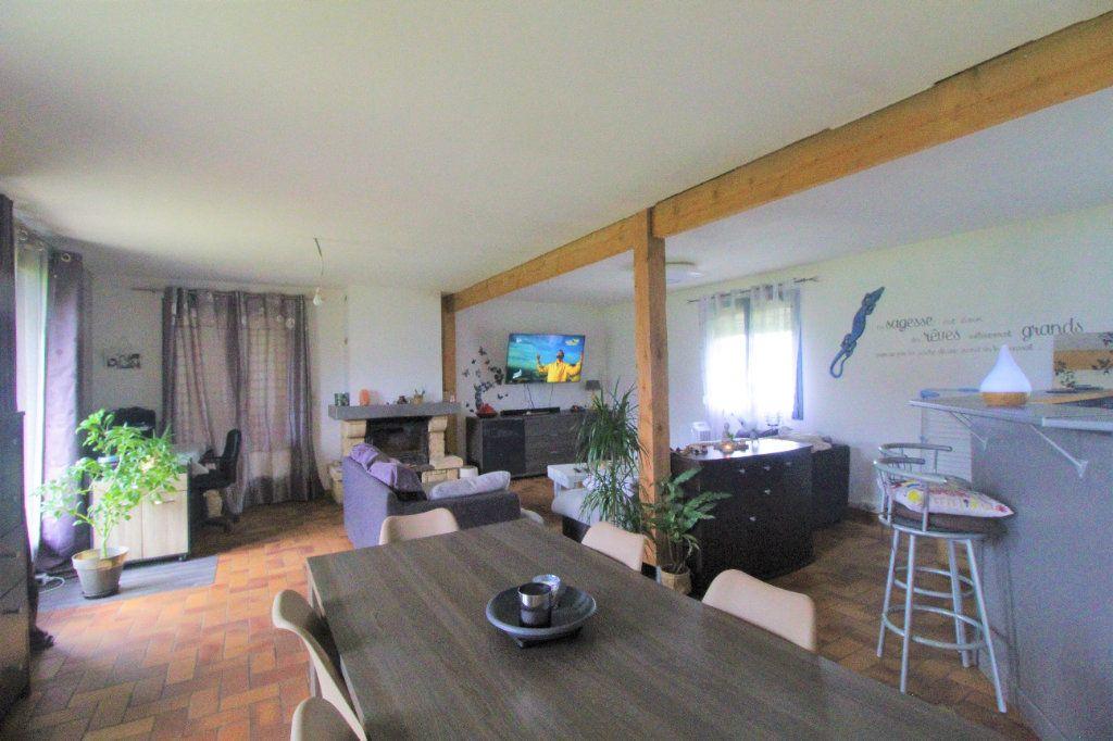 Maison à vendre 8 174.34m2 à Buverchy vignette-2