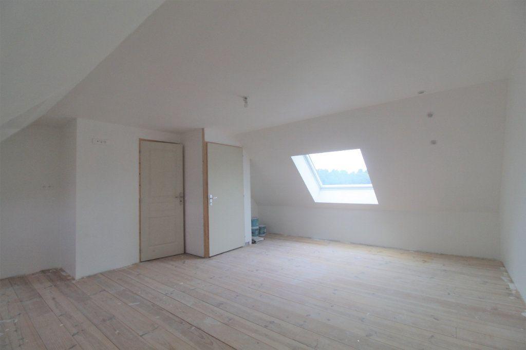 Maison à vendre 8 174.34m2 à Buverchy vignette-8