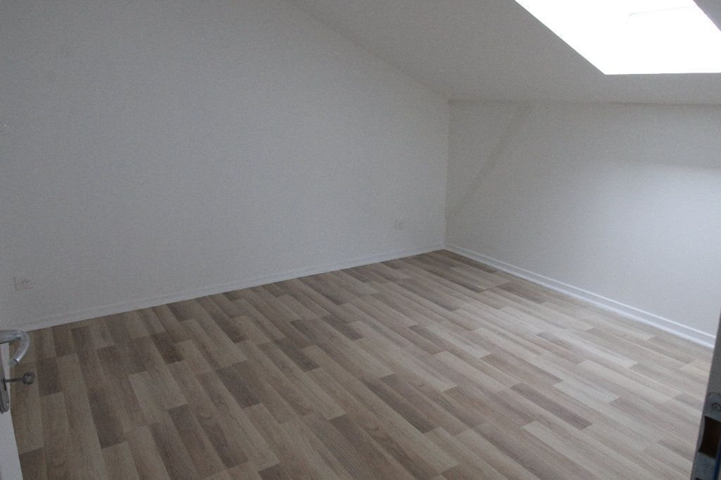 Appartement à louer 3 69.08m2 à Noyon vignette-7
