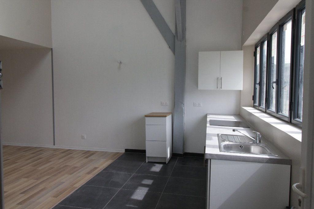 Appartement à louer 3 75.6m2 à Noyon vignette-4