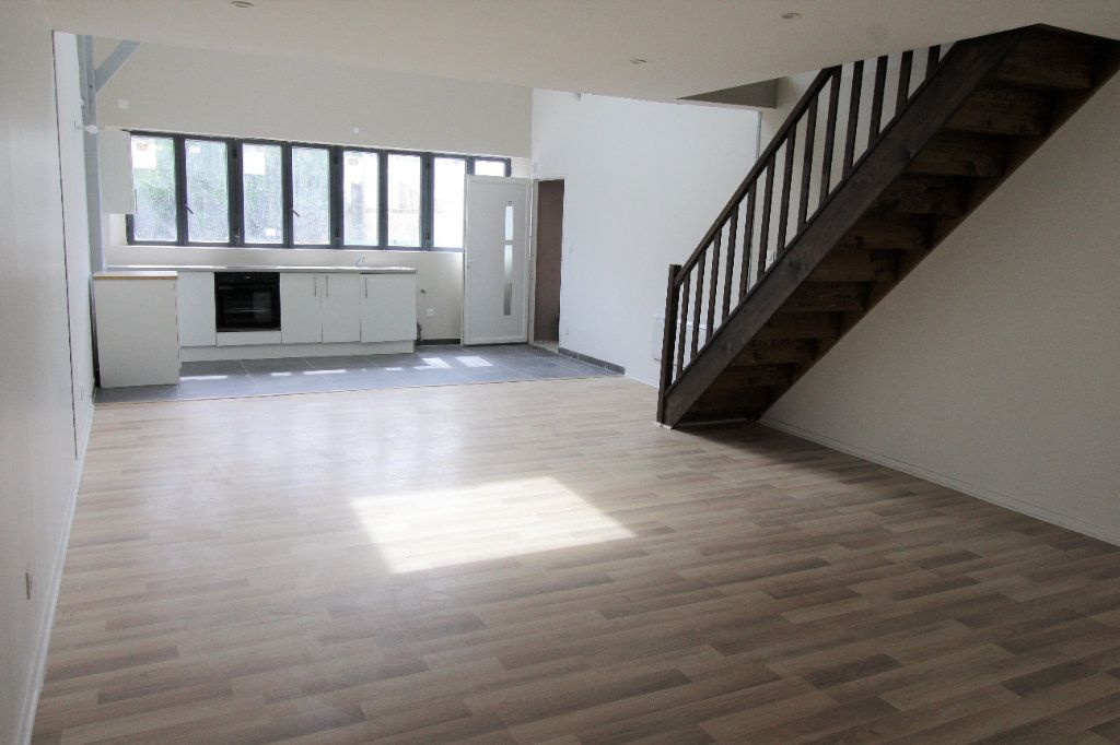 Appartement à louer 3 75.6m2 à Noyon vignette-5