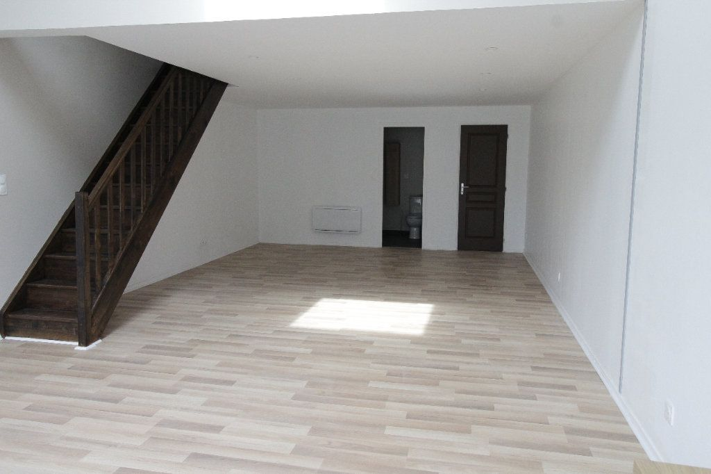 Appartement à louer 3 75.6m2 à Noyon vignette-6