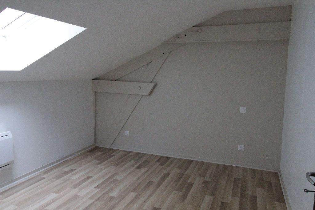 Appartement à louer 3 75.6m2 à Noyon vignette-8