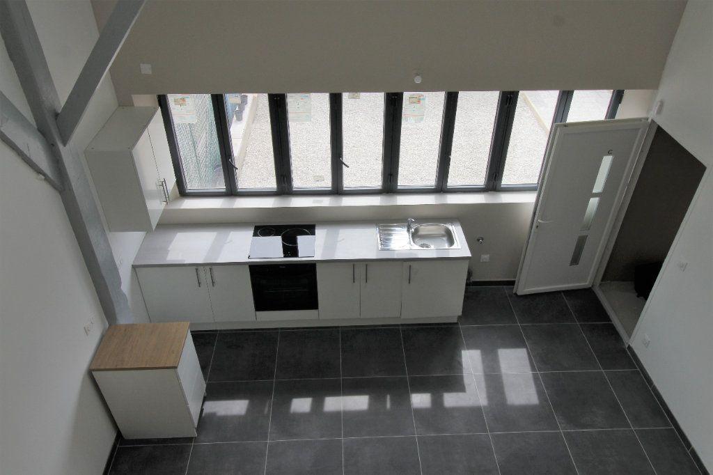 Appartement à louer 3 75.6m2 à Noyon vignette-10