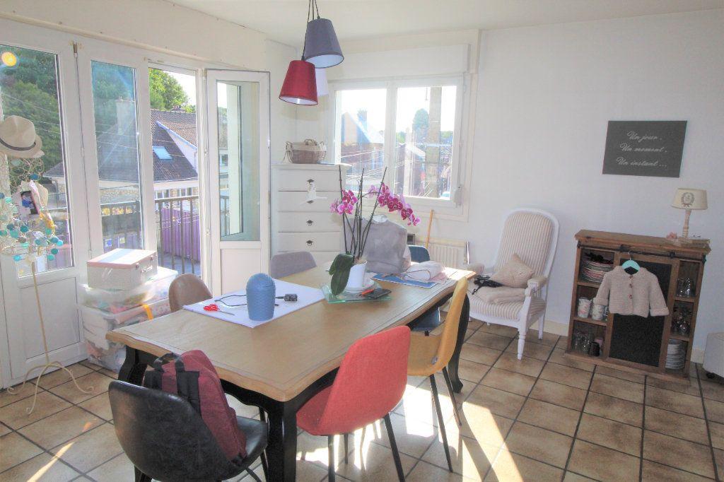 Maison à louer 6 0m2 à Eppeville vignette-3