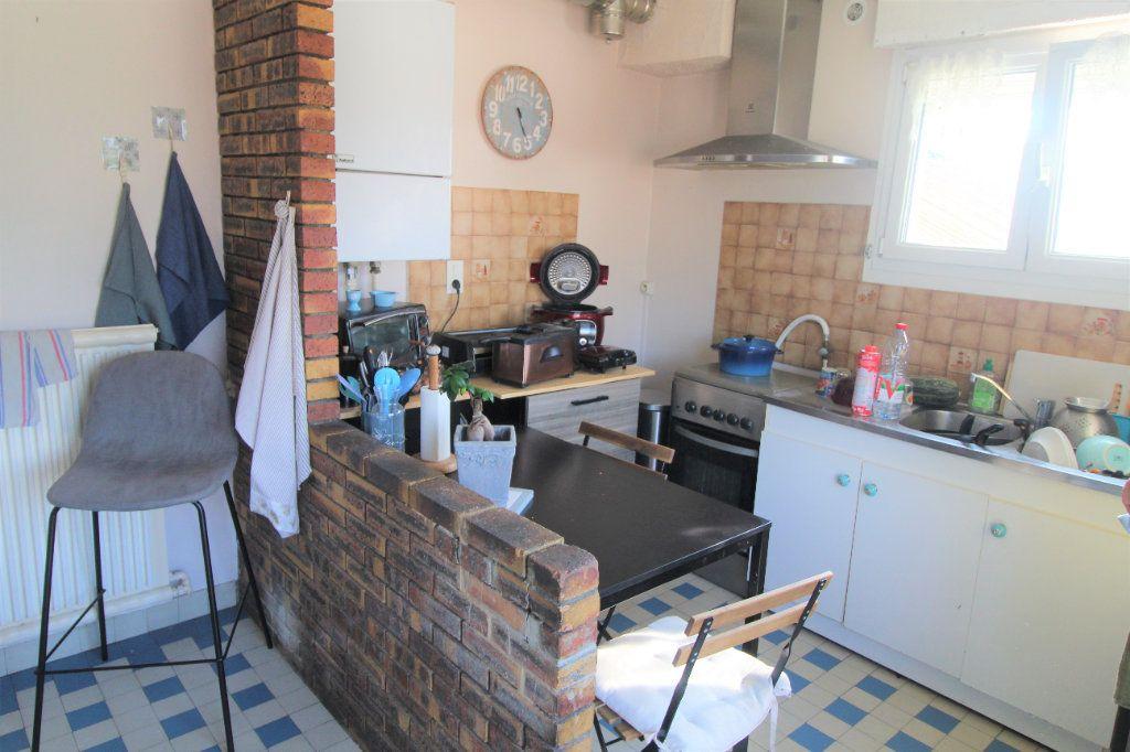 Maison à louer 6 0m2 à Eppeville vignette-4