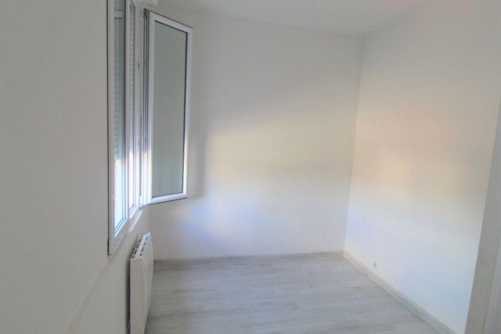 Appartement à louer 2 21.72m2 à Moyencourt vignette-2