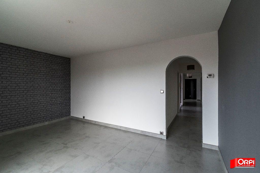 Appartement à louer 3 72m2 à Reims vignette-3