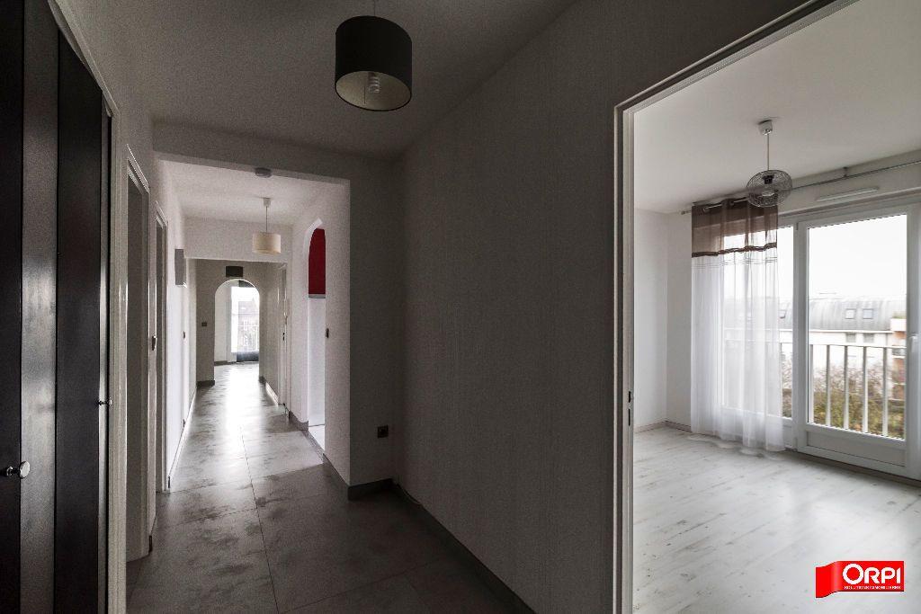 Appartement à louer 3 72m2 à Reims vignette-6