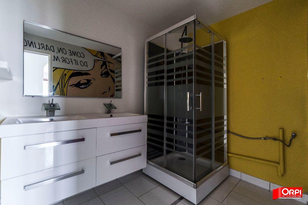 Appartement à louer 3 72m2 à Reims vignette-7