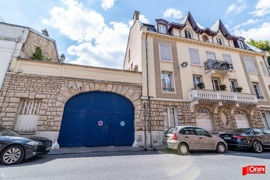Appartement à louer 1 26m2 à Reims vignette-1
