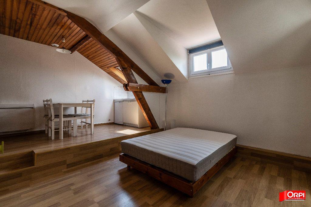 Appartement à louer 1 26m2 à Reims vignette-3