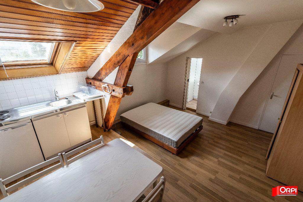 Appartement à louer 1 26m2 à Reims vignette-8