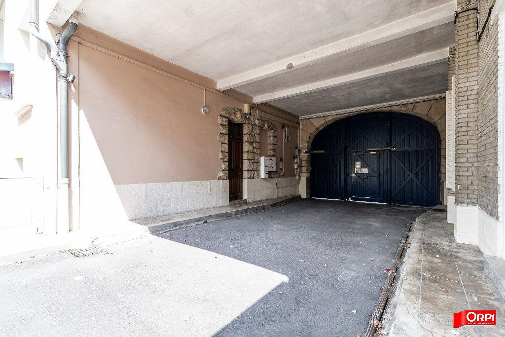 Appartement à louer 1 26m2 à Reims vignette-10