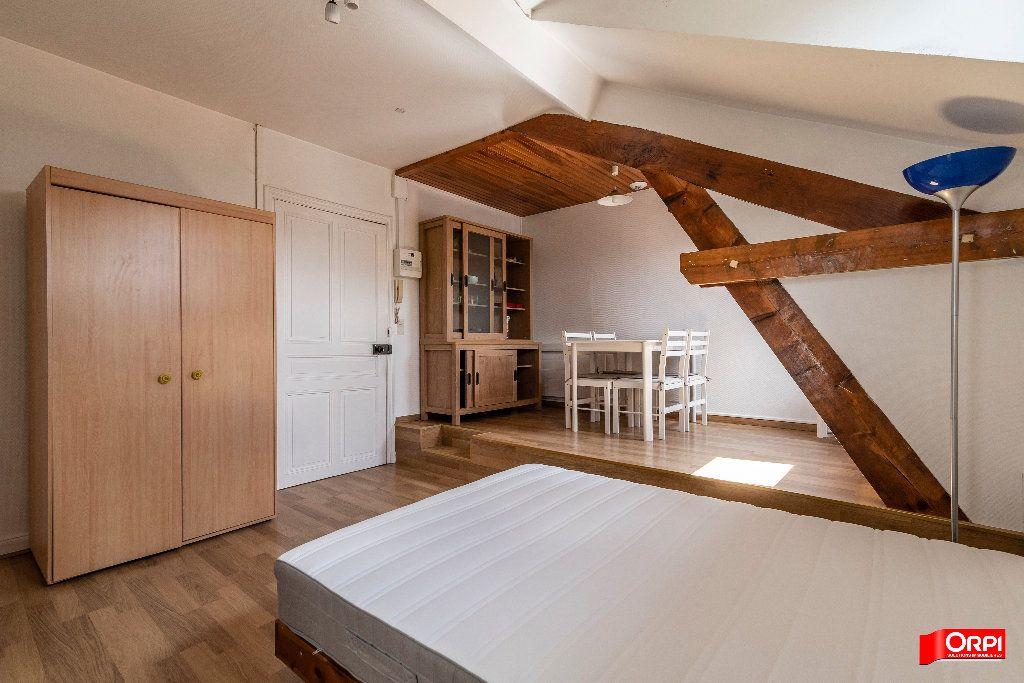 Appartement à louer 1 26m2 à Reims vignette-11