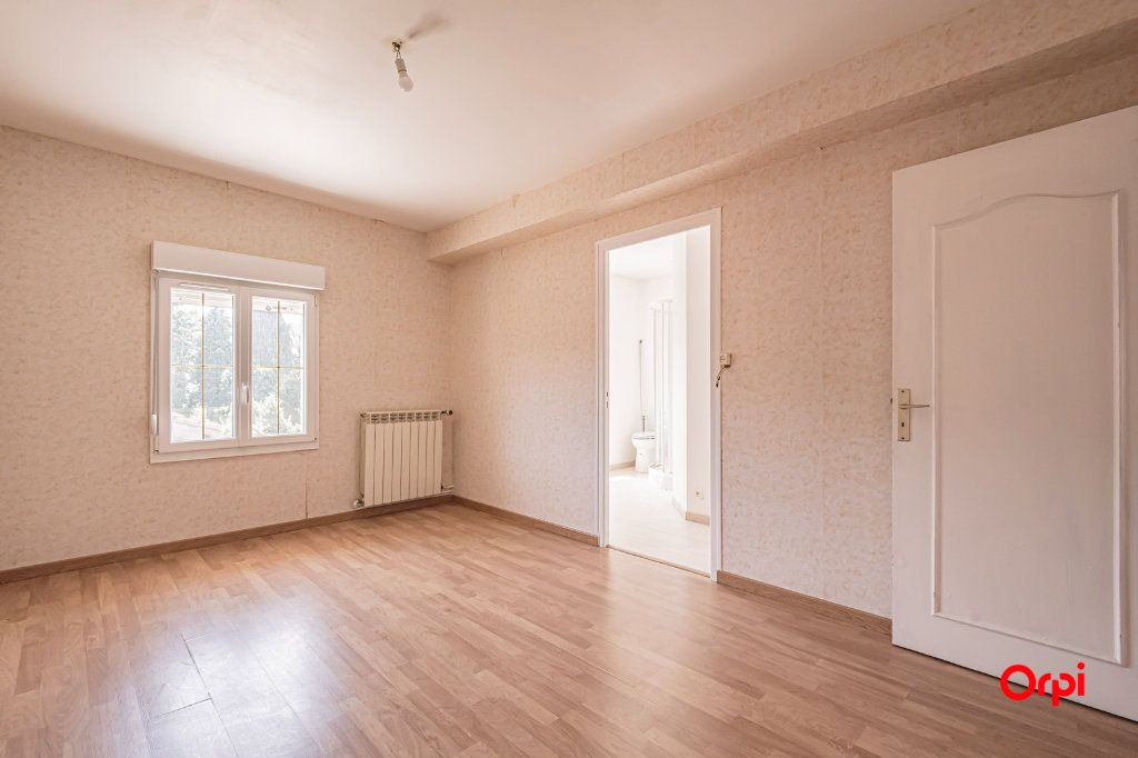 Maison à vendre 9 170m2 à Chigny-les-Roses vignette-4