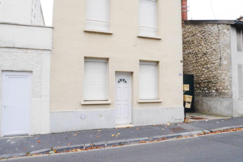 Appartement à louer 1 22.4m2 à Reims vignette-1