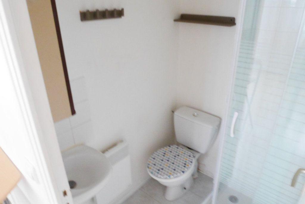 Appartement à louer 1 22.4m2 à Reims vignette-4