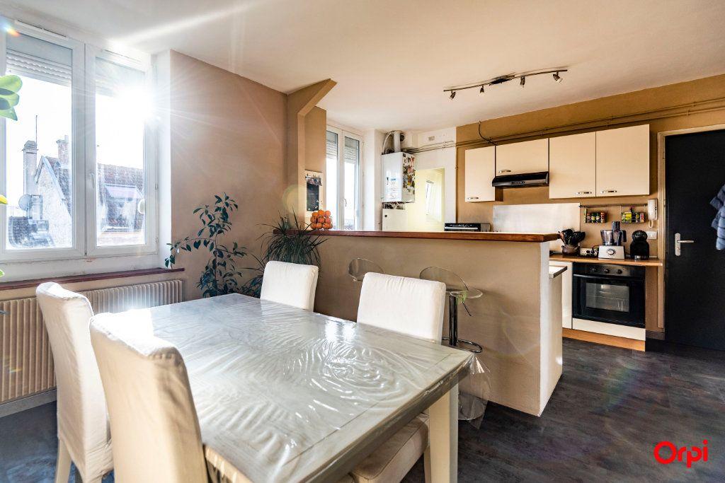 Appartement à louer 3 56.85m2 à Reims vignette-2