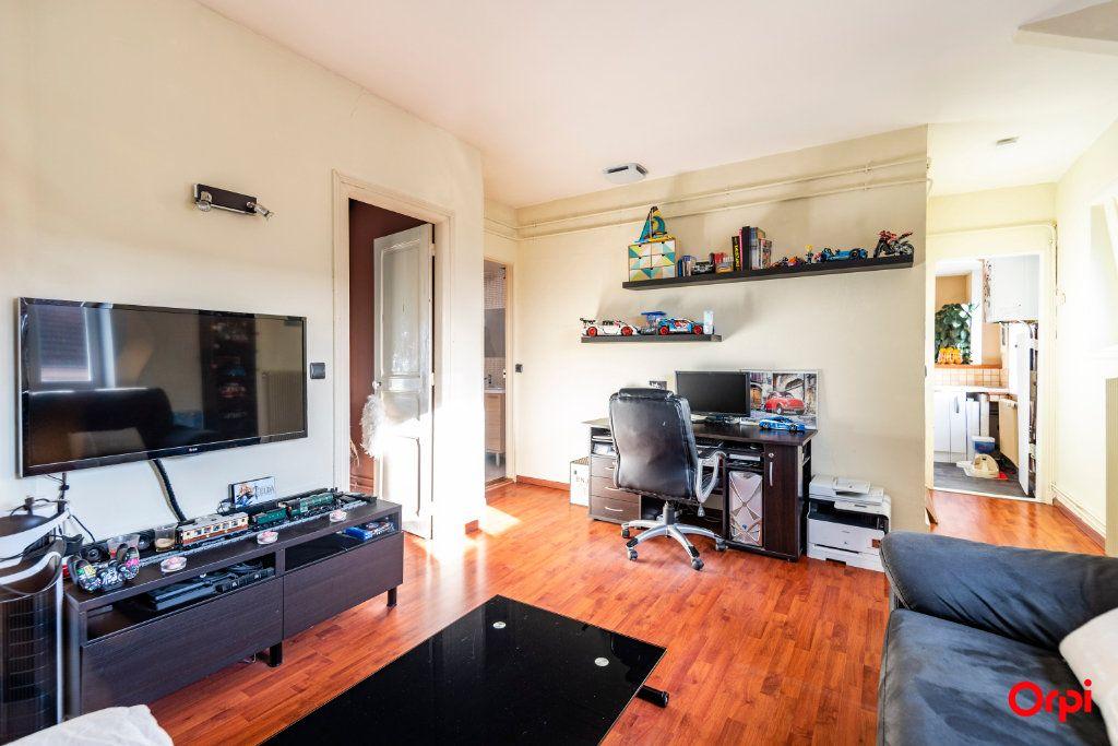 Appartement à louer 3 56.85m2 à Reims vignette-3