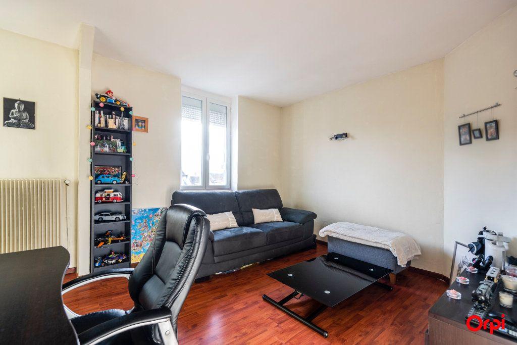 Appartement à louer 3 56.85m2 à Reims vignette-4