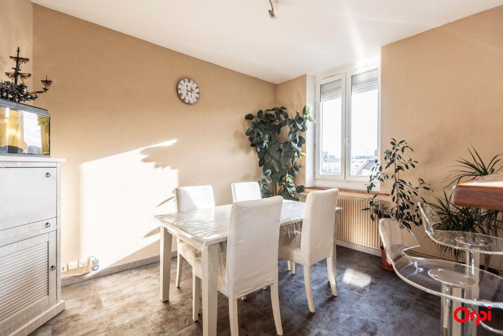 Appartement à louer 3 56.85m2 à Reims vignette-11
