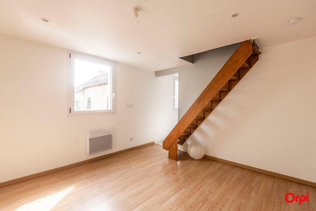 Appartement à louer 3 39.52m2 à Reims vignette-4