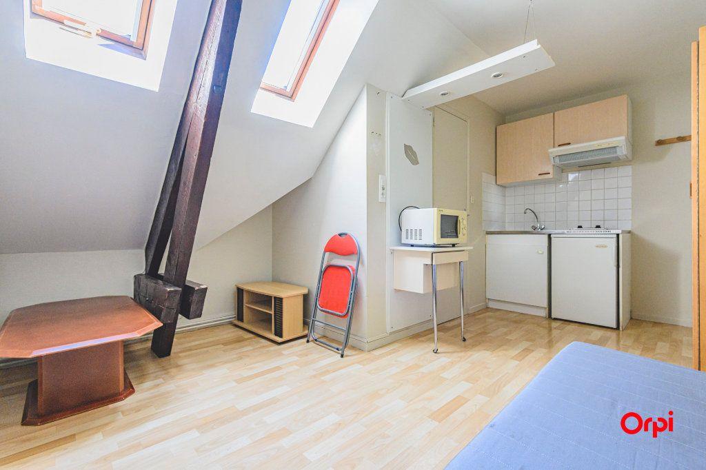 Appartement à louer 1 12.5m2 à Tinqueux vignette-1