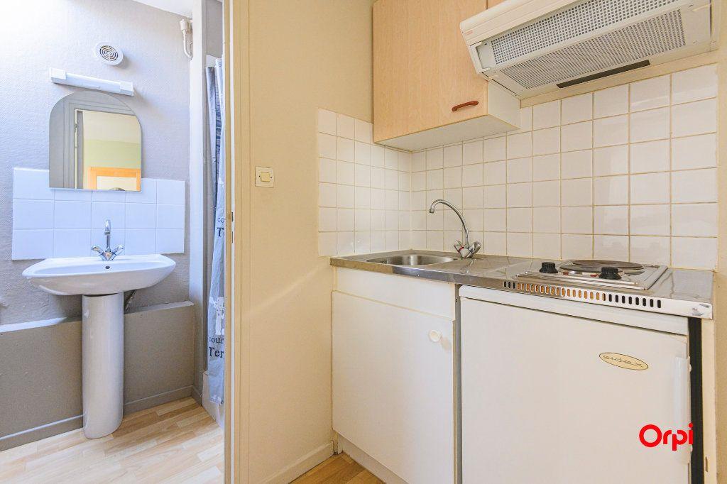 Appartement à louer 1 12.5m2 à Tinqueux vignette-2