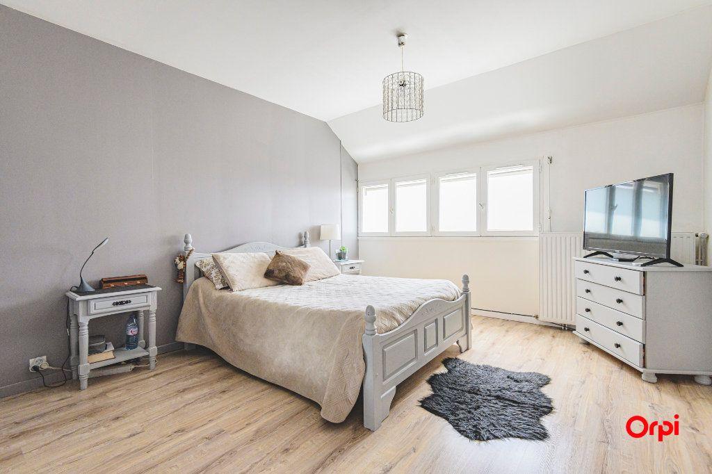 Appartement à vendre 6 117m2 à Reims vignette-8