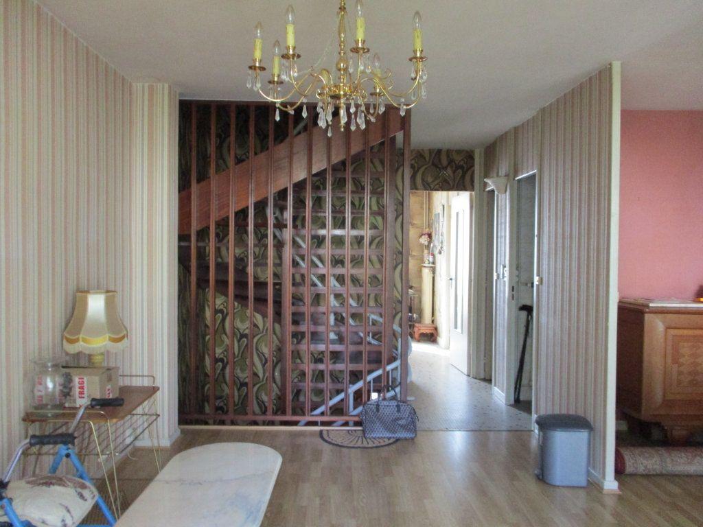 Maison à vendre 8 105m2 à Reims vignette-4