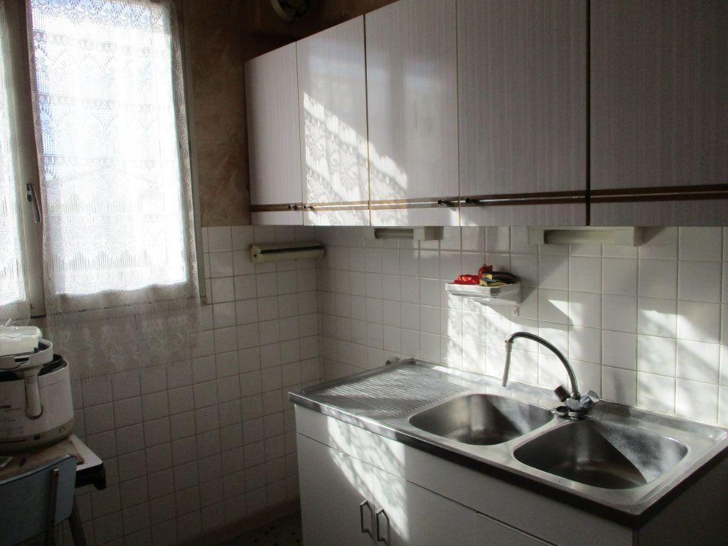 Maison à vendre 8 105m2 à Reims vignette-6
