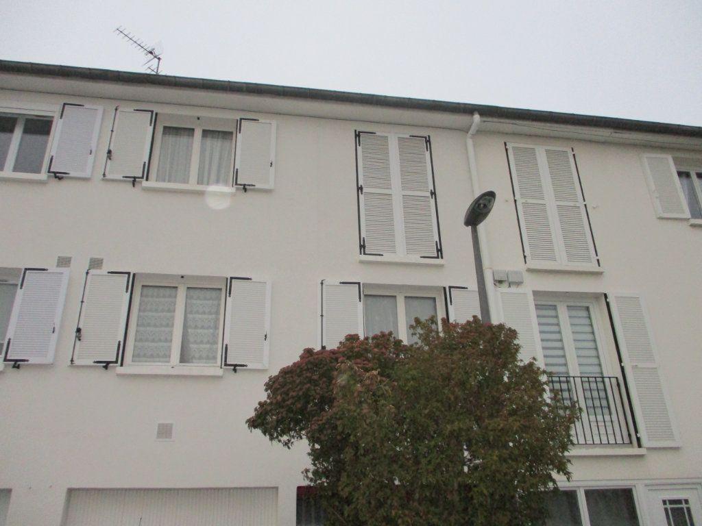 Maison à vendre 8 105m2 à Reims vignette-11