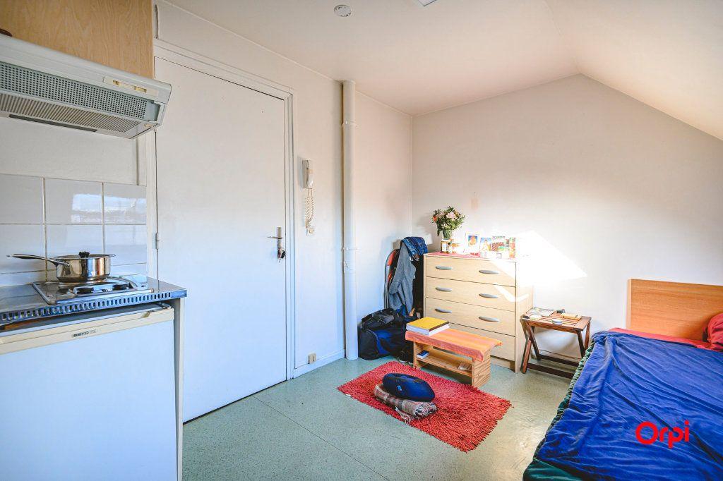 Appartement à louer 1 13m2 à Tinqueux vignette-1