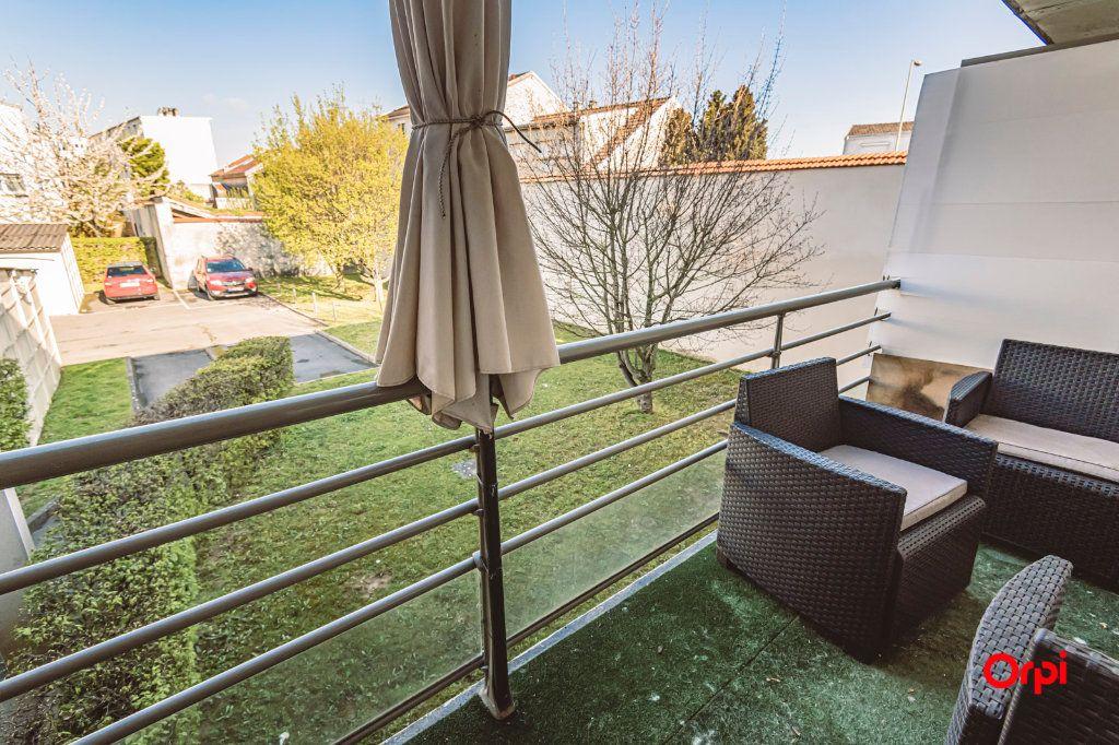 Appartement à vendre 3 67.93m2 à Reims vignette-3