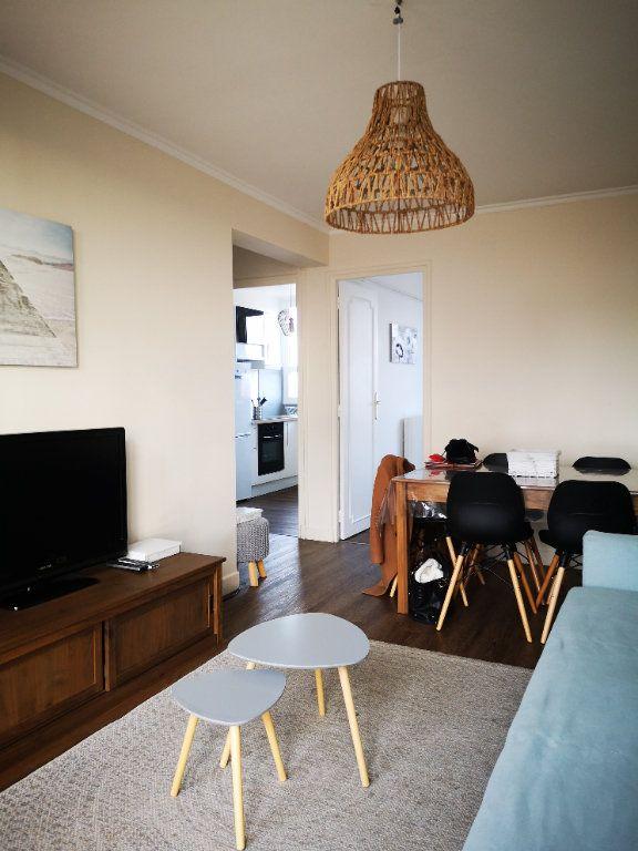 Appartement à vendre 4 0m2 à Reims vignette-1