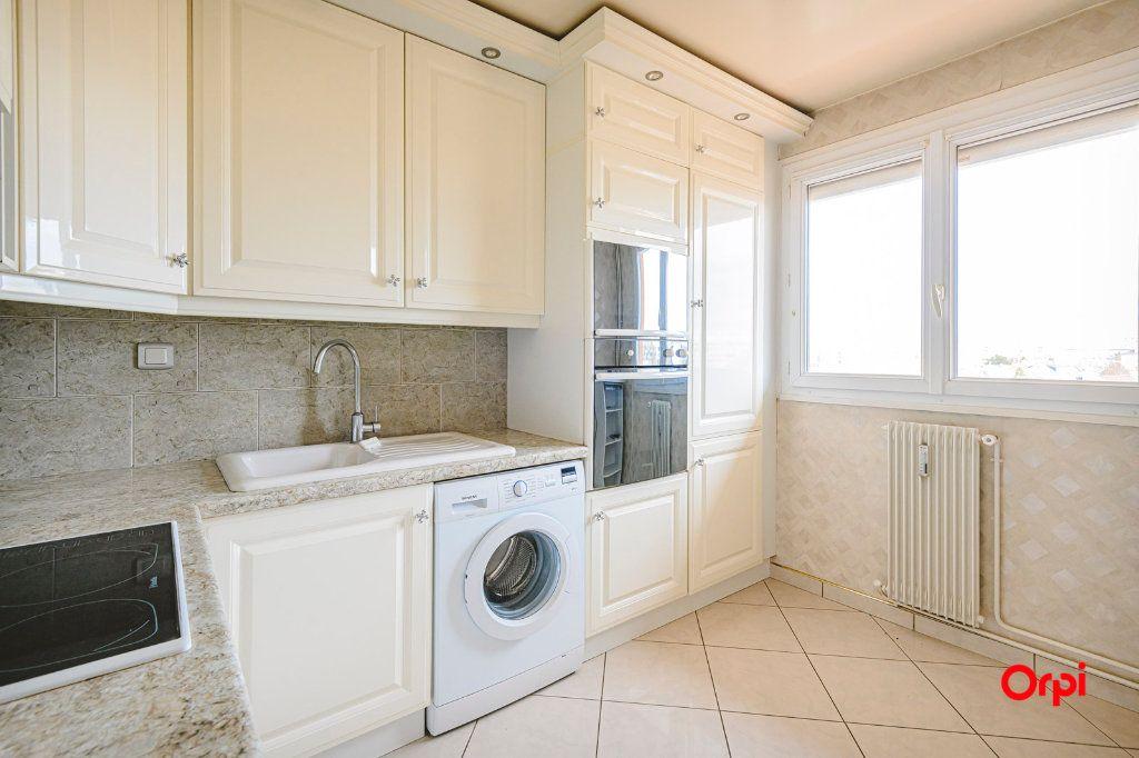 Appartement à vendre 6 117m2 à Reims vignette-3